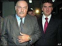 Former Paraguayan President Luis Gonzalez Macchi (left)