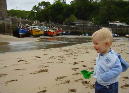 Lewis Jones from Pontypridd took this picture of his son Deri at low tide near Saundersfoot Harbour