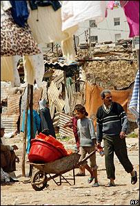 Slum dwellers (Image: AP)