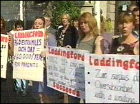 Laddingford parents protest