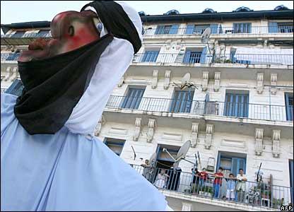 Algerians watch a World Environment day parade