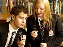 pupils texting