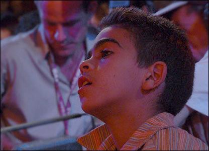 Niño en ceremonia sufí