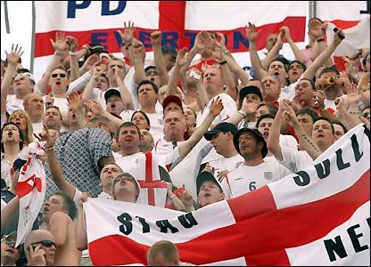 Aficionados de Inglaterra celebran