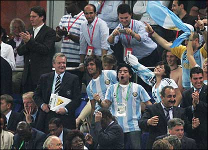 Dieog Maradonna and Argentina fans celebrate the win