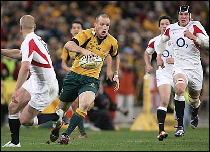 Stirling Mortlock in possession