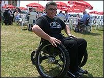 Mike Spindle en la silla de ruedas Trekinetic