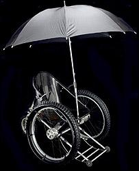 Silla de ruedas Trekinetic con sombrilla.