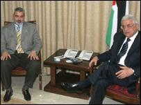 El presidente de la Autoridad Palestina, Mahmoud Abbas y el primer ministro, Ismail Haniya