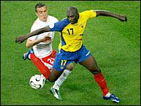 Ecuador's Giovanny Espinoza (right) in action against Poland