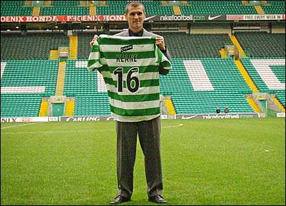 Roy Keane is unveiled as a Celtic player
