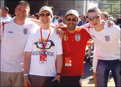 England fans pictured with Skinner and Baddiel
