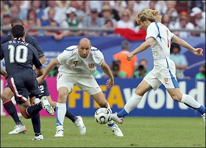 Pavel Nedved leads another raid against the USA's defence