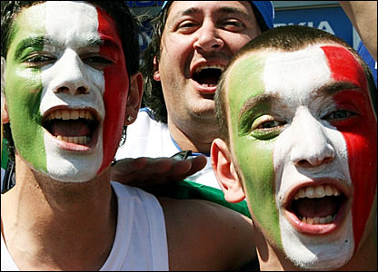 Italian supporters in Hanover