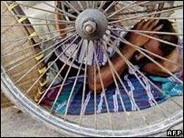 A rickshaw driver not working