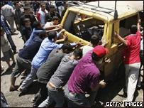 Ataque israelí contra vehículo en Gaza