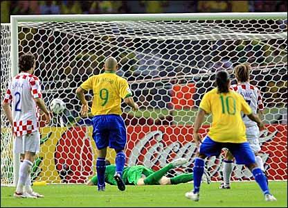 Gol de Brasil.