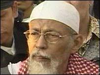 Abu Bakar Ba'asyir emerges from prison