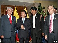 Los presidentes de los países que integran la CAN: Alfredo Palacio (Ecuador), Alejandro Toledo (Perú), Evo Morales (Bolivia) y Álvaro Uribe (Colombia)