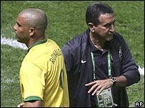 Ronaldo and Brazil coach Carlos Alberto Parreira