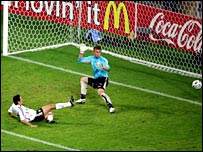 Oliver Neuville nets Germany's winner