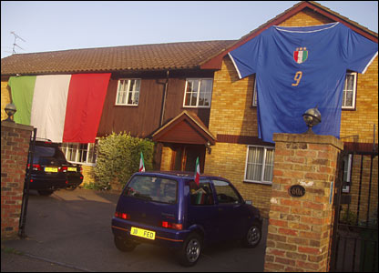 A huge Italian shirt covers a house in St Albans