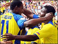 Ecuador goalscorers Delgado and Tenorio celebrate