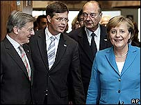 From left, Austria's Wolfgang Schuessel, the Netherlands' Jan-Peter Balkenende, France's Jacques Chirac, Germany's Angela Merkel