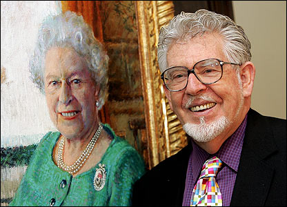 Rolf Harris and his portrait of the Queen