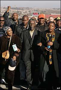 Thabo Mbeki en marcha en Soweto