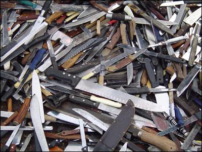 Met knives