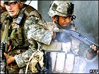 Soldados estadounidenses en Balad, Irak.
