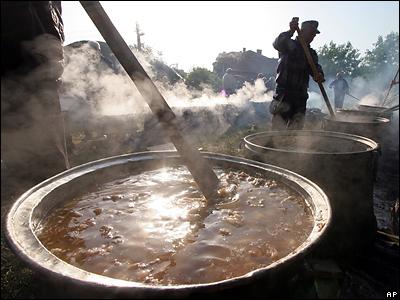 Болгарские мусульмане варят суп из баранины и возносят Всевышнему...