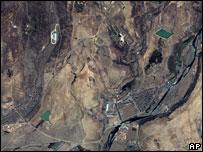 2001 satellite image of N Korea's Taepodong launch site, Musudan-ri