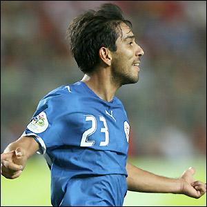 Nelson Cuevas celebrates his goal