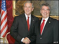 US President George W Bush and Austrian counterpart Heinz Fischer