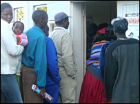 People lining up for polio vaccine