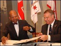 Sunderland Council, Bob Symonds (right) and Mayor of Washington DC, Anthony A. Williams
