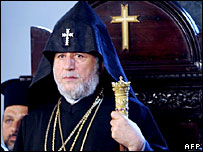 Armenian Catholicos Karekin II attends a service during his visit to Istanbul, 21 June 2006