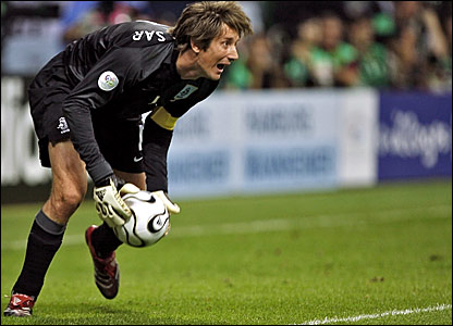 Holland keeper Edwin van der Sar