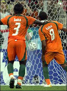 Bonaventure Kalou scores the winner from the penalty spot