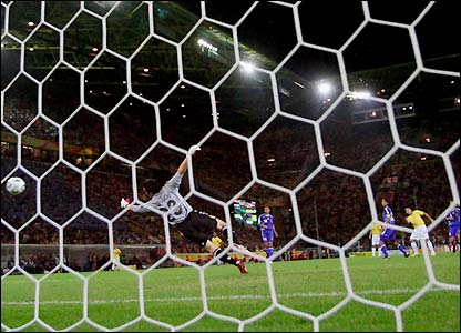 Ronaldo places his second goal into the net