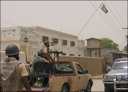 Pakistani soldiers on the streets of Dera Bugti