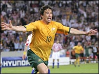 Harry Kewell celebrates his goal