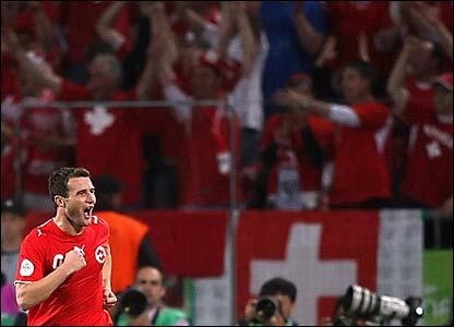 Alexnader Frei celebrates his goal