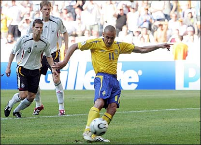 Henrik Larsson spoons a penalty over the bar