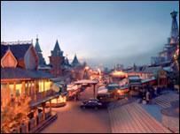 Вернисаж в Измайлово (фото с сайта торгово-выставочного комплекса)