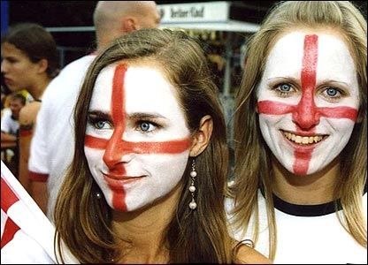 England fans prepare for the Ecuador match