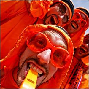 http://newsimg.bbc.co.uk/media/images/41809000/jpg/_41809930_glasses416.jpg