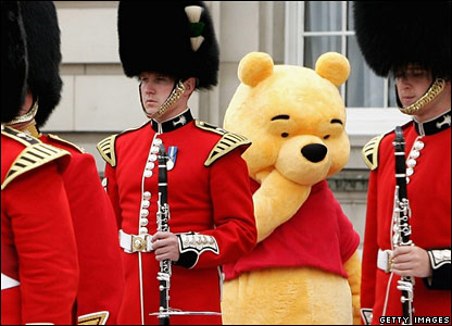 Winnie the Pooh and guardsmen, Sunday 25 June 2006